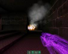 Przykład alpha blendingu - przezroczysta broń w grze Unreal