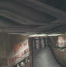 Bez zastosowania korekcji perspektywy - napis z lewej strony na ściane uległ duzym zniekształceniom